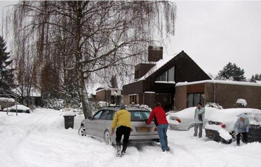 autogedoe_inh_sneeuw