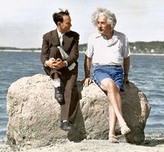 albert-einstein-summer-1939