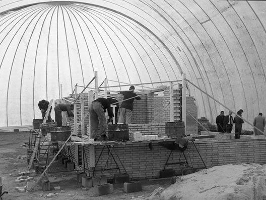 bouwen in een tent