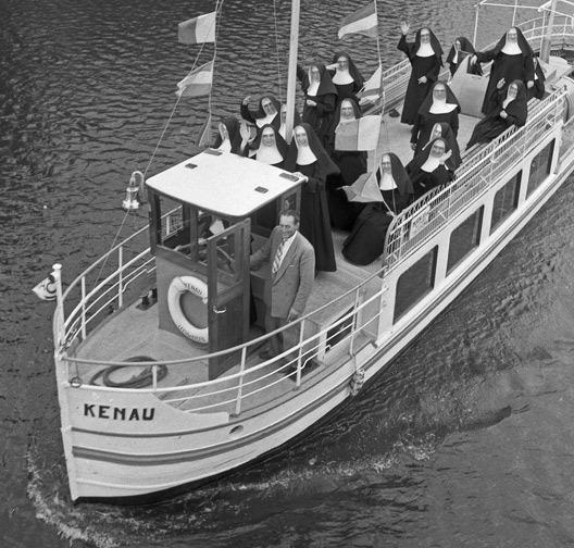nonnenboot_friesland_ca1960