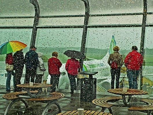 ehv_airport_regen