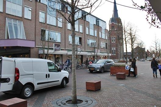 hoofdstraat_autos