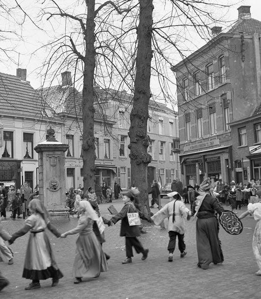 carnaval_ginnekenmarkt_1955