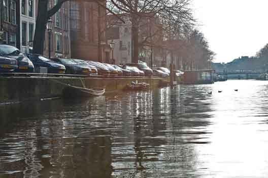 parkeren_langs_gracht
